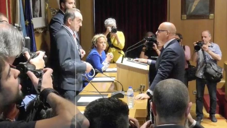 Baltar jura su cargo de diputado provincial