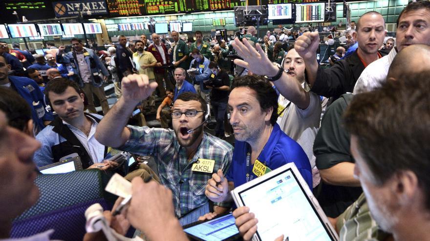 Wall Street abre plano pese al aumento del precio de la vivienda en EE.UU.