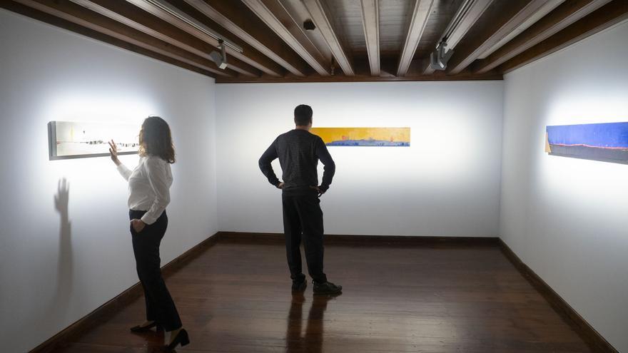 Piezas montadas en la sala lagunera en que expone Orihuela