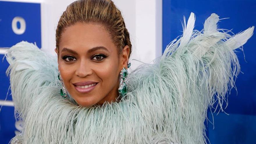 Beyoncé canta en español con J Balvin para ayudar a México y Puerto Rico