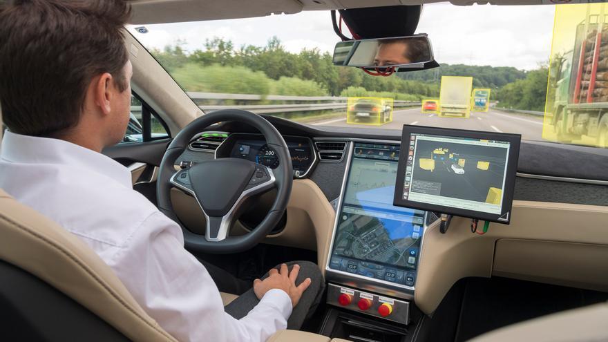 Pruebas de conducción autónoma en carretera.