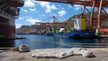 Área de gestión de contenedores en el puerto estatal de Santa Cruz