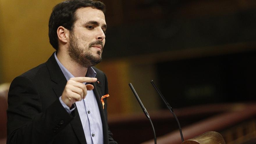 """Garzón exige a Rajoy que salga del """"búnker"""" de La Moncloa y avisa de una """"ola de cambio"""" para un nuevo país"""