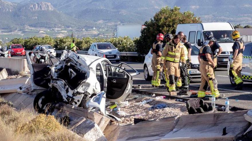 Dos muertos y seis heridos graves en un accidente de tráfico en Cieza (Murcia)