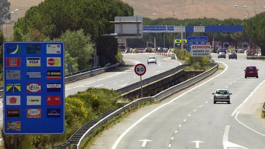 El peaje de la AP-4 Sevilla-Cádiz bajará en 2017 sólo para vehículos pesados