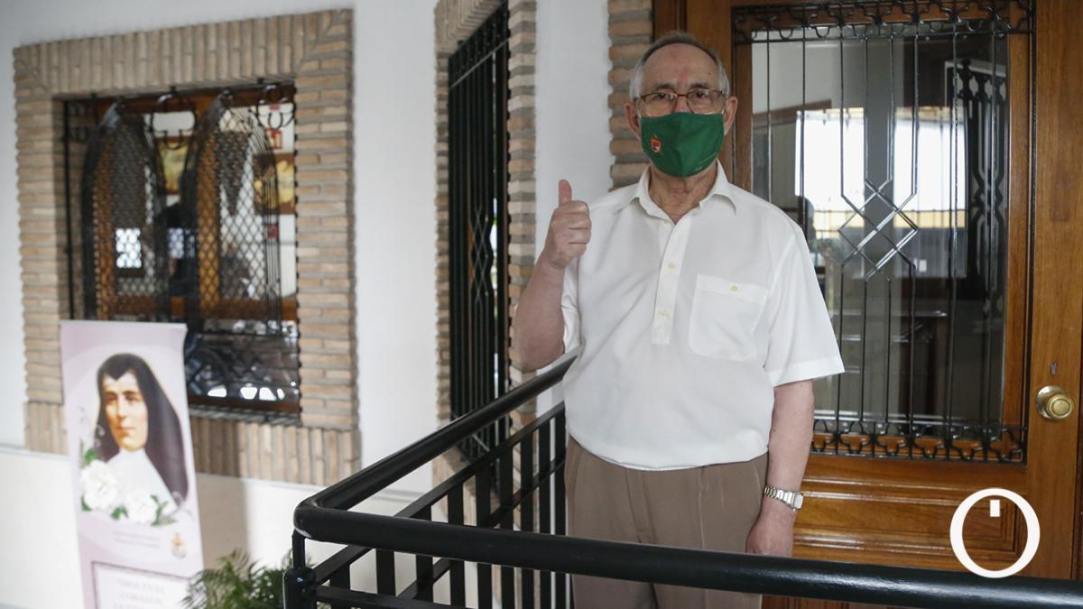Manuel Prieto, la primera persona en vacunarse de la Covid en Córdoba