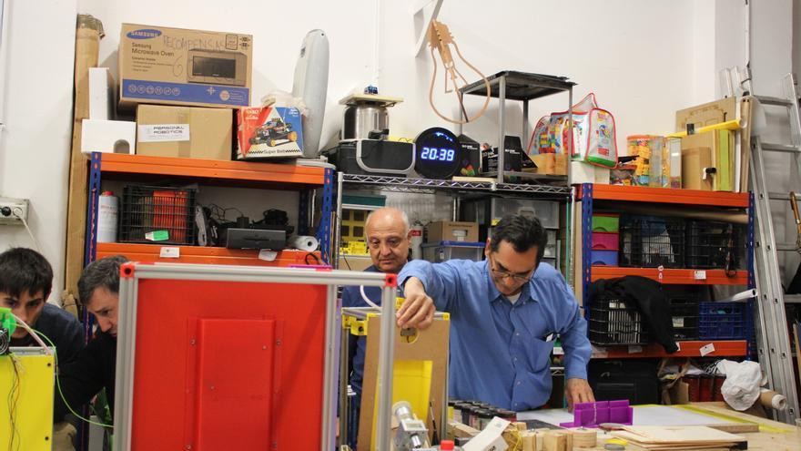 Javier y Jairo, dos miembros del Makespace apasionados de la impresión 3D
