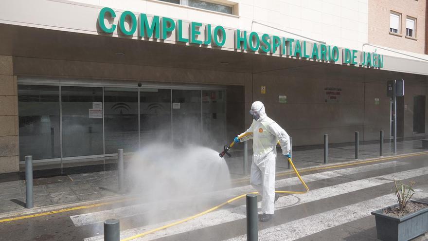Desinfección en el Complejo Hospitalario de Jaén