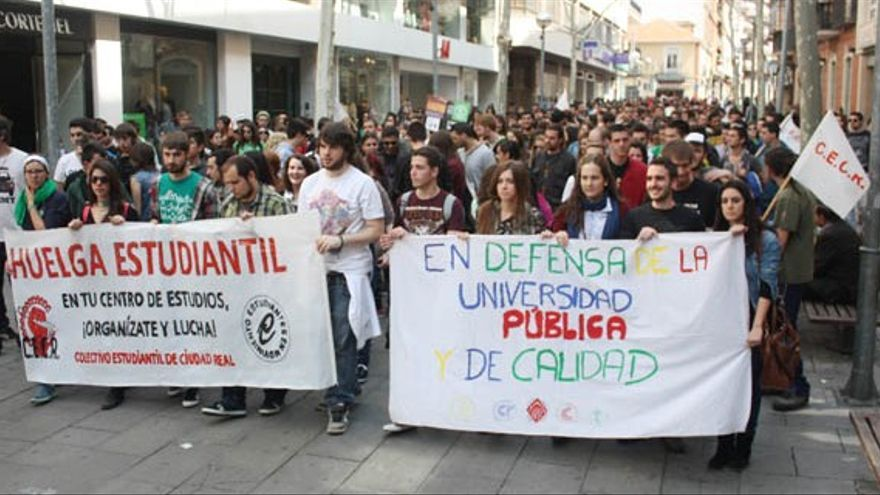 Manifestación por la universidad pública, Ciudad Real / Foto: el CRisol de Ciudad Real