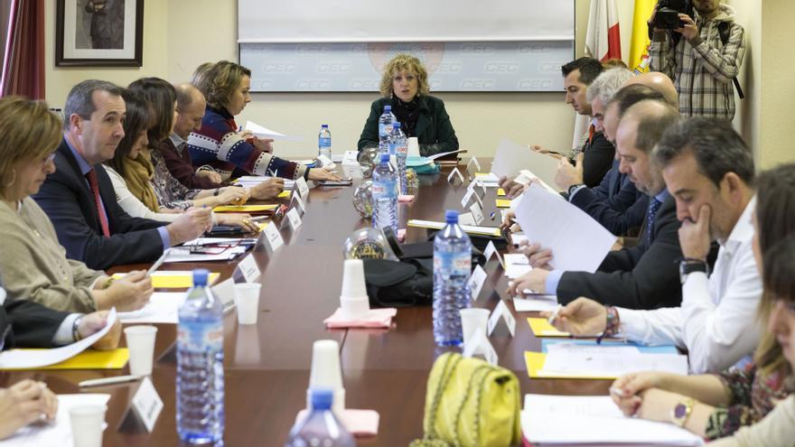 La vicepresidenta Eva Díaz Tezanos ha presidido el Consejo Asesor de Servicios Sociales.   Miguel López