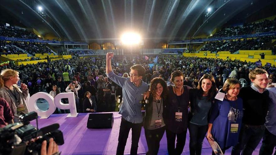 """Errejón ve a Podemos """"cada día más arriba"""" ante otros """"con la lengua fuera"""""""