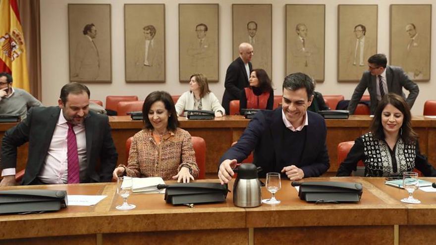 El PSOE urgirá a Rajoy a mejorar la pensión de las mujeres y a derogar la reforma laboral