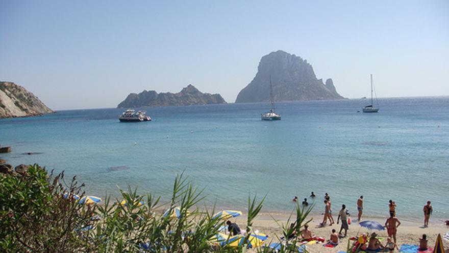 Playa de Ibiza. Philip Larson (flickr.com).