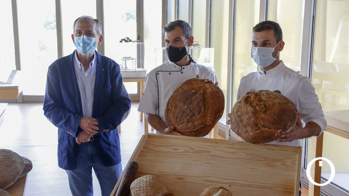 Presentación de los panes fruto del proyecto de investigación de la UCO