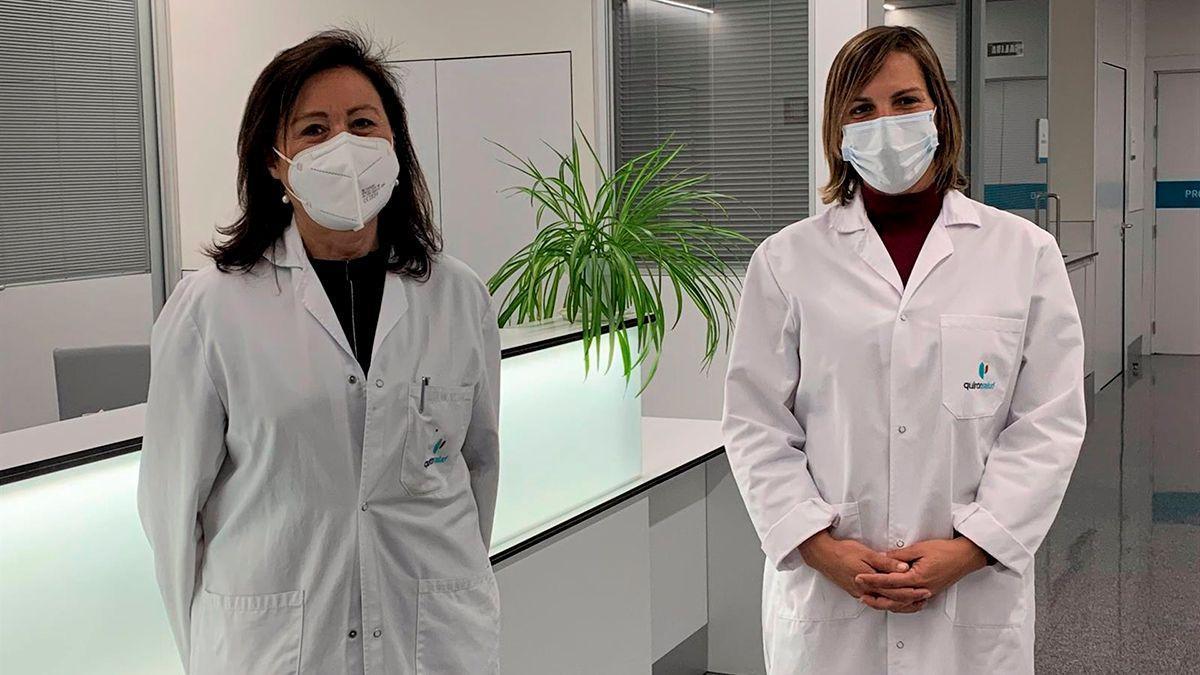 Las jefas de los servicios de Oncología Médica, María Jesús Rubio (izda.), y de Ginecología y Obstetricia del Hospital Quirónsalud Córdoba, Esther Velasco.