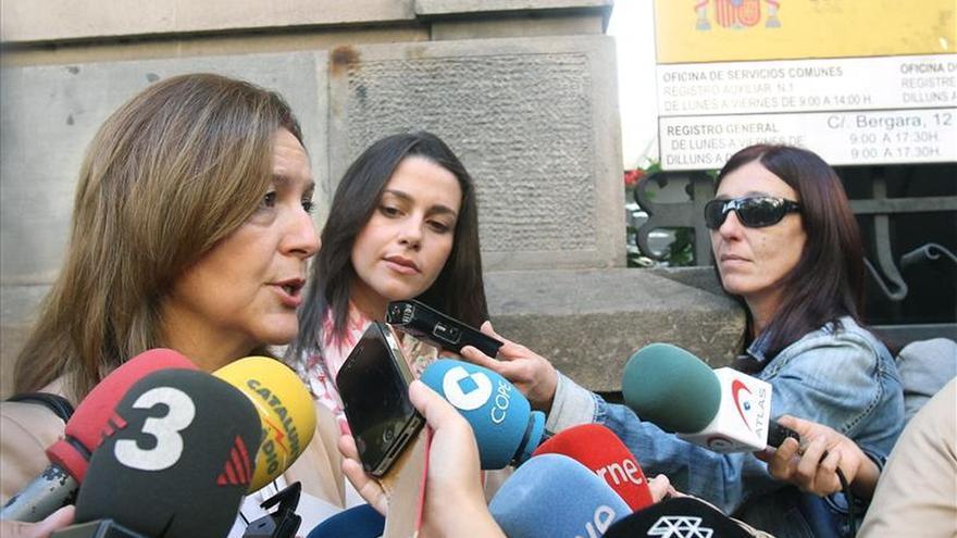 """Ciudadanos invita a un PP que ve temeroso a frenar su propia """"decadencia"""""""