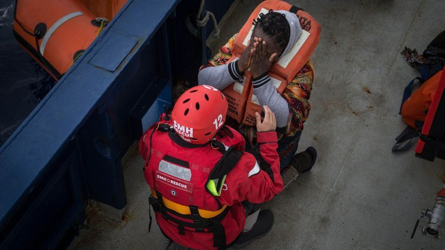 El Aita Mari rescata a 79 migrantes que se encontraban a la deriva en el Mediterráneo Central