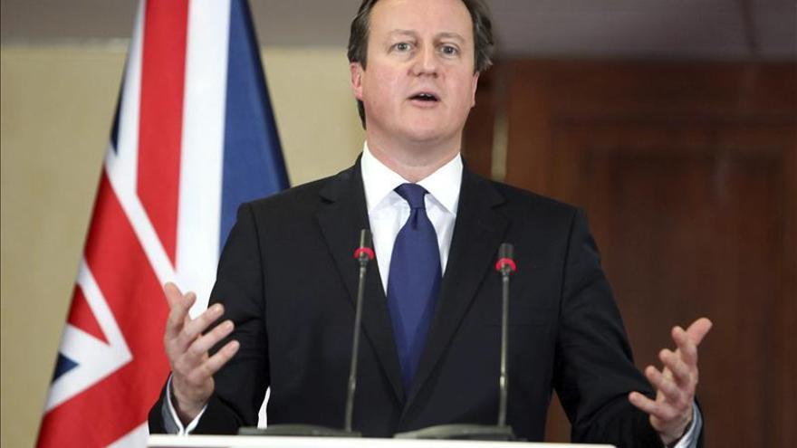 """Cameron """"decepcionado"""" por el rechazo de Timerman a la reunión sobre Malvinas"""