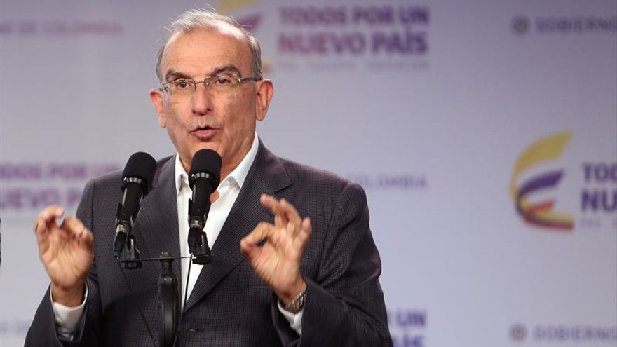 """De la Calle dice que se negocia con lealtad a aportes de sectores del """"no"""""""