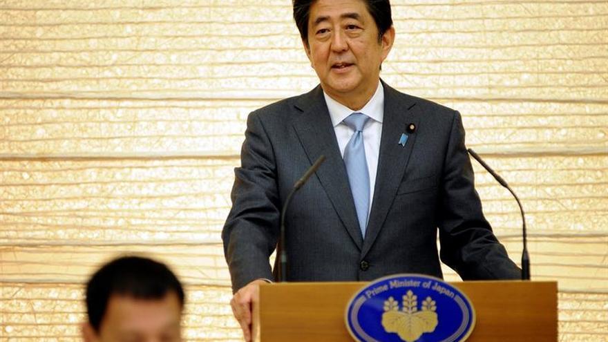 Abe eleva la presión sobre las empresas para que suban los salarios