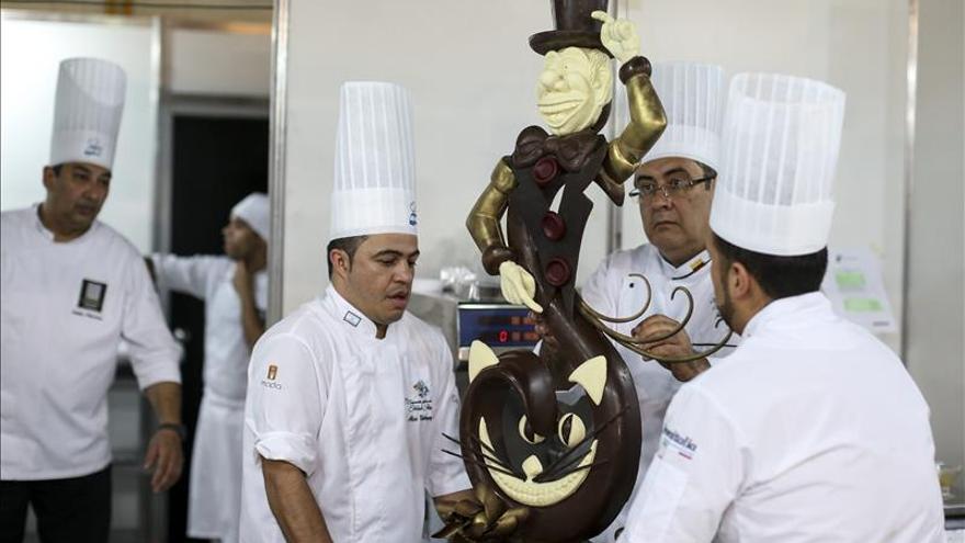 Miles de personas disfrutan en Obelisco porteño de semana de helado artesanal
