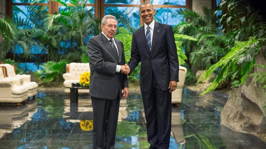 Vuelos, telecomunicaciones y correo, un año de relaciones entre EE.UU. y Cuba