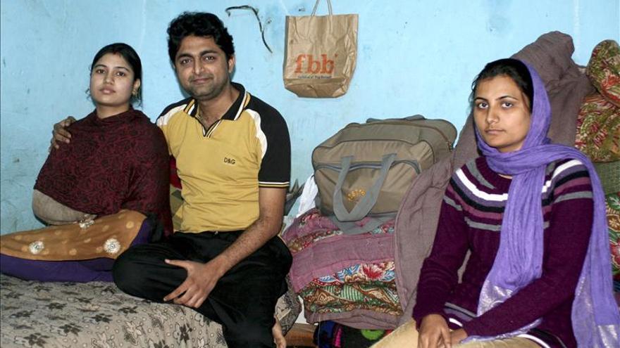 Los 'Comandos del Amor' protegen a los amantes fugitivos de la India