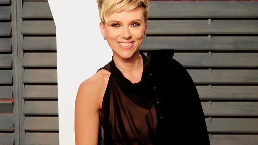 Scarlett Johansson dice que no descarta postularse a un cargo político