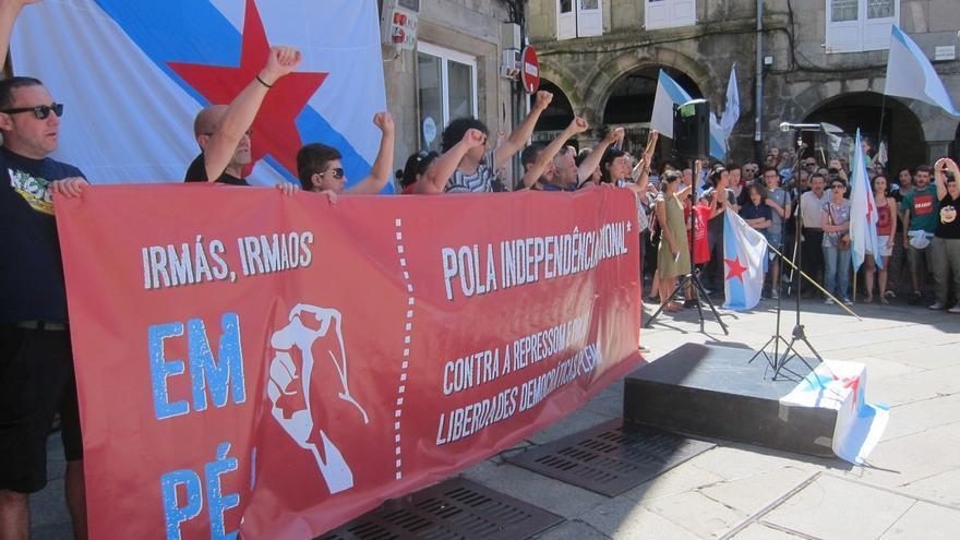 """Independentistas recorren las calles de Santiago para reclamar una Galicia """"independiente y socialista"""""""