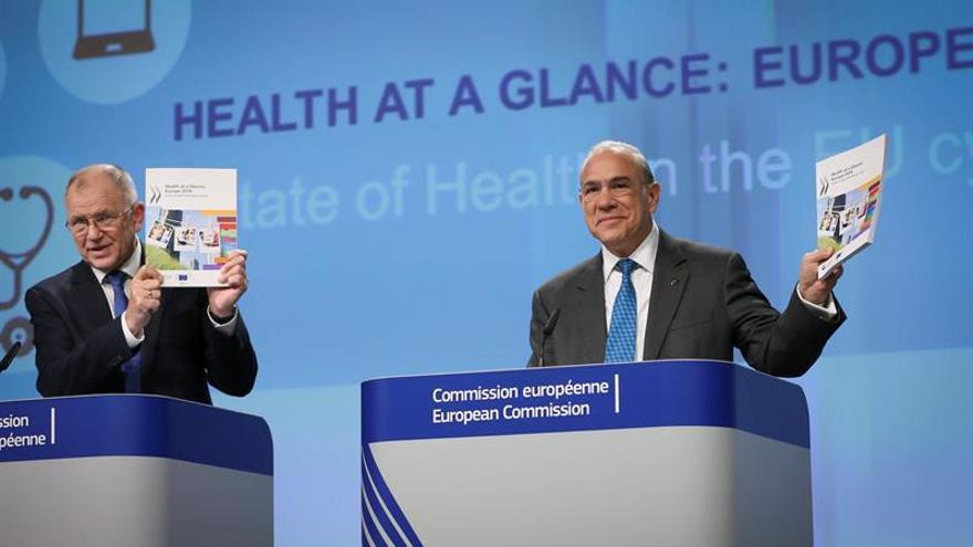 La UE debe hacer más por la igualdad al acceso sanitario, según la OCDE y la CE