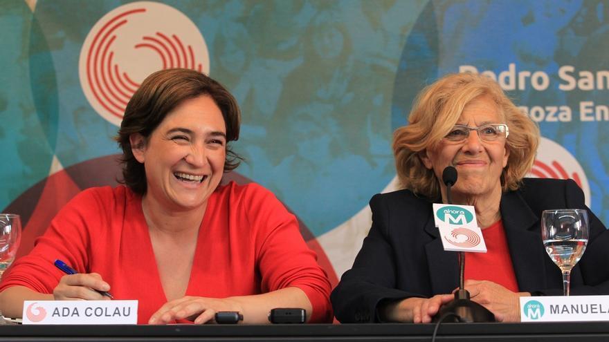 """Carmena y Colau escenifican el """"diálogo"""" y aconsejan: """"Para la crisis de la democracia, siempre más democracia"""""""