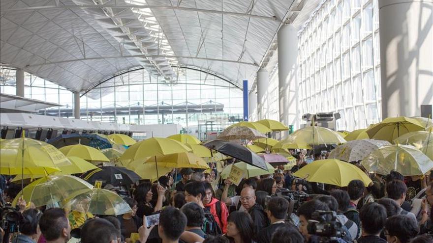 China impide que representantes de los estudiantes de Hong Kong viajen a Pekín