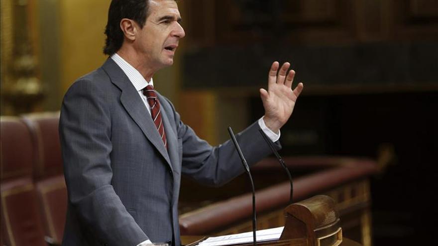 Desmontando a Soria: ocho mentiras del ministro sobre su reforma eléctrica y el recibo de la luz