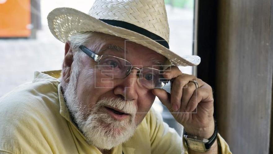 Muere en Madrid el poeta granadino Juan de Loxa a los 73 años