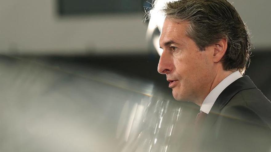 De la Serna recuerda a Puigdemont su obligación de colaborar con la justicia