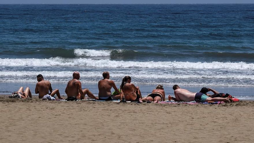 Playa de Maspalomas, en Gran Canaria, en el primer día de su reapertura