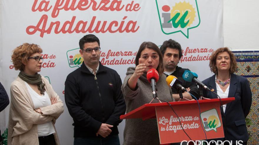 Elena Cortés, en primer término, ante Pedro García, Rafael del Castillo y Alba Doblas   MADERO CUBERO