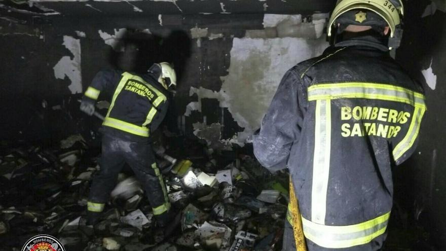 El MAS pierde la mayor parte de su biblioteca y 8 obras por valor de 50.000 euros en el incendio