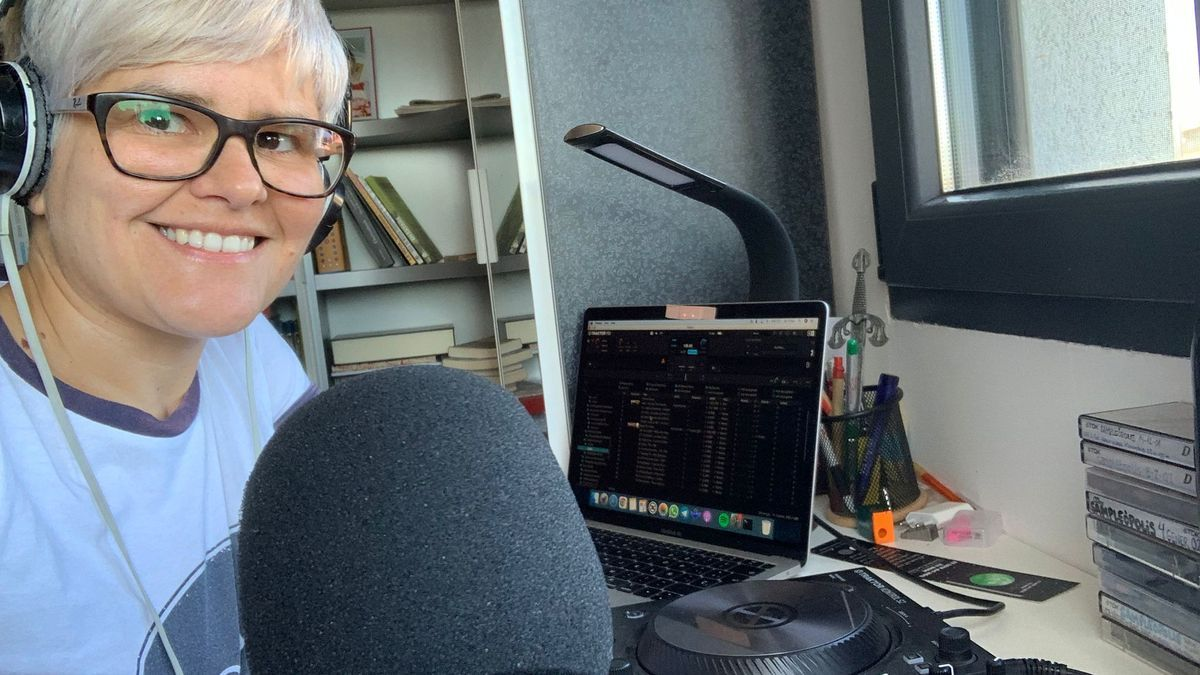 Aurora Mora, responsable del podcast 'Sampleòpolis'.