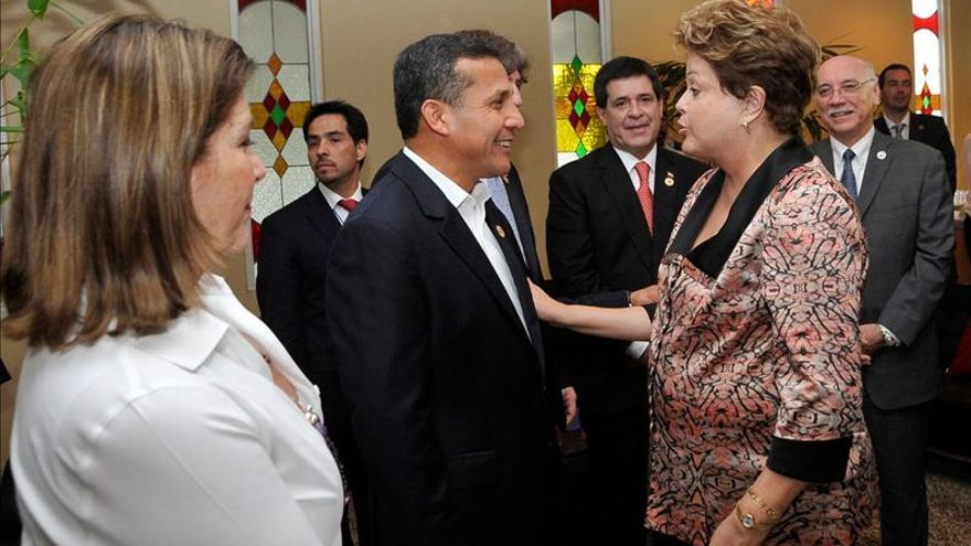 Rousseff viaja a Perú para reunirse con Humala