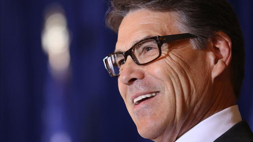 Rick Perry, primer precandidato en abandonar la carrera hacia la Casa Blanca