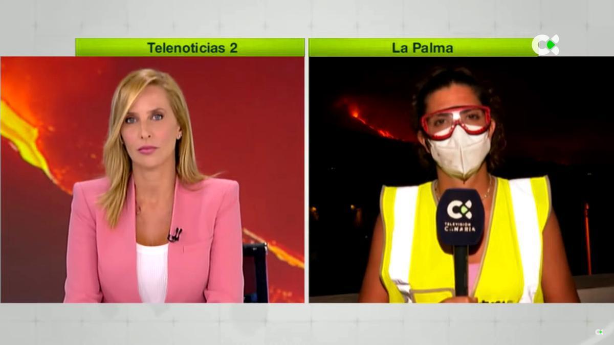 La periodista Pilar Rumeu, presentadora de 'Telenoticias 2', conecta en directo con una reportera del informativo