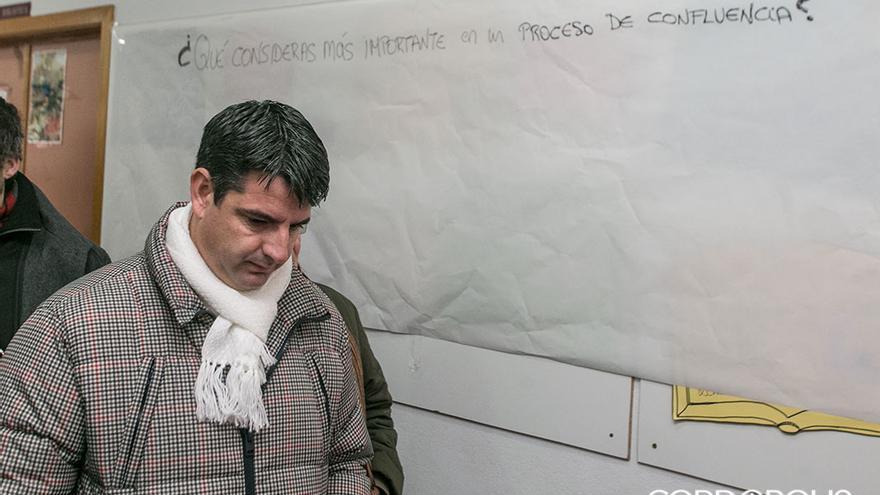 Pedro García, este domingo entrando a la asamblea de la confluencia   MADERO CUBERO
