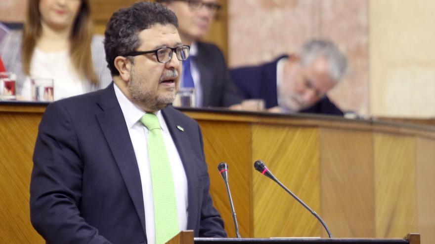 """Serrano: """"Vox es la herramienta democrática que ha puesto fin al régimen socialista"""""""