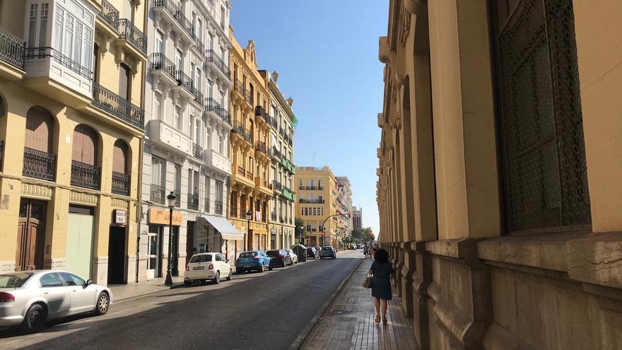La calle Alicante de Valencia tendrá carril bici a partir de este otoño.