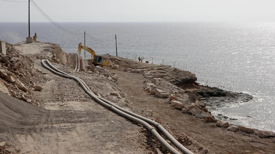 Obras en la Playa de Tauro. (ALEJANDRO RAMOS)