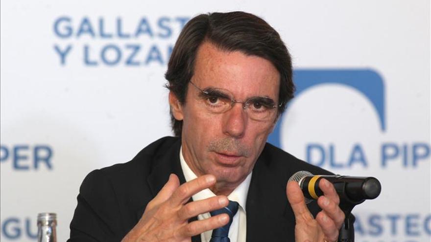 """Aznar dice que Cataluña """"se está desgarrando"""" pero que España """"no se romperá"""""""