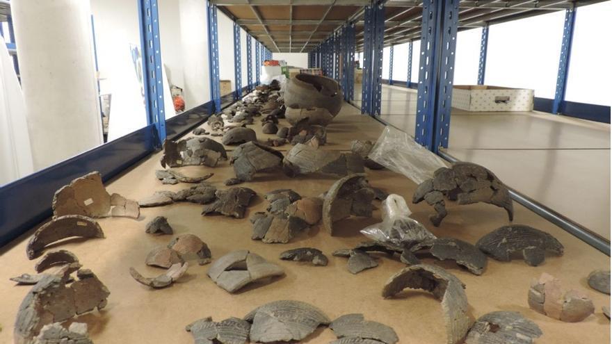 Restos arqueológicos de la Cueva Chica (Puntallana) en el Museo Arqueológico Benahoarita.