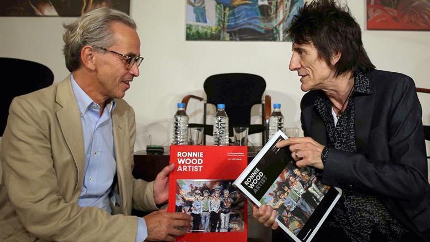 Ronnie Wood lleva a Barcelona una recopilación de su obra pictórica