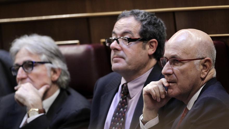 Duran no entiende las notas de Sánchez y, ante las risas del PP, aclara que no se refería al líder del PSOE